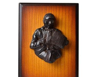 "Irish Turf Accordian Player Plaque 8"" x 6"" [Q3-VMBC-UN6J]"