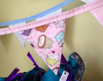 Cotton Fabric Cupcake Bunting - plain pink backs