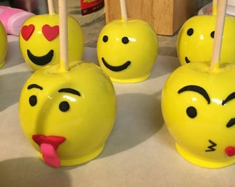 12 Emoji Themed Candy Apples
