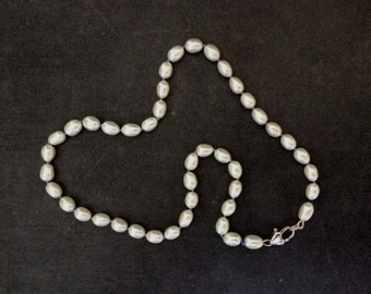 Necklace of freshwater pearls (444)