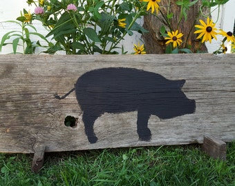 Rustic Barn Wood Plaque with a Handpainted Pig in Black
