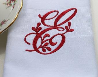 Set of 4 Napkins / Monogrammed Cloth Napkins / Linen Napkins / Wedding Napkins / Font 3