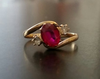 Vintage 14kt gold Ruby and Diamond ring