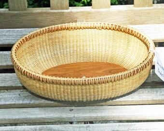 12-inch Nantucket-style oval basket