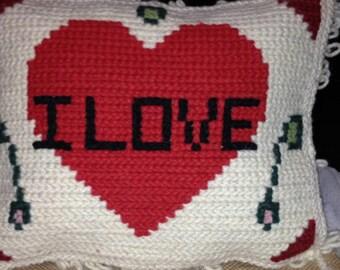 "Typical Arraiolos heart pillow ""I LOVE"""