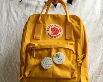 Bee buttons (handmade)