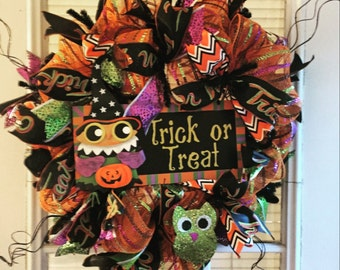 Hoot'n Toot'n Halloween Trick or Treat Wreath