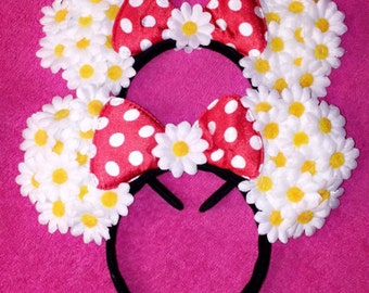 White daisy Mickey Mouse ears,