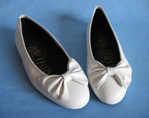 VTG 80s 90s Sam & Libby Ballet BOW Flats Size 9.5 white leather shoes EXC cond.