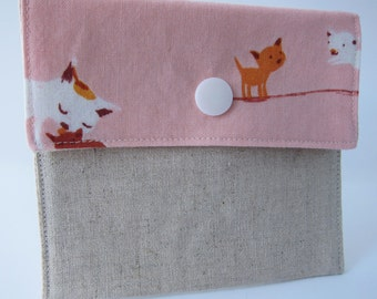 Mama Cat Snap Pouch