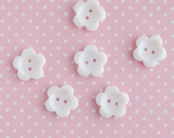 Vintage Flower Buttons 3/4 Inch | 6 Plastic Sewing Buttons 19mm