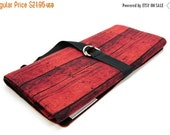 Sale 25% OFF SHORT Knitting Needle Organizer Case - Red Barn - 24 black pockets for circular, double pointed, interchangeable or travel