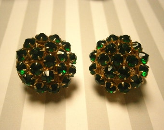 Vintage Earrings, Green Stones Clip on Goldtone Setting,  Vintage Jewelry