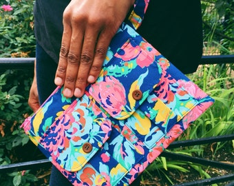 Wristlet Wallet, Womens Wallet, Wristlet Clutch, Zippered Wristlet for Women, iPhone Wallet, Fabric Wristlet, Blue Wallet, Floral Wallet