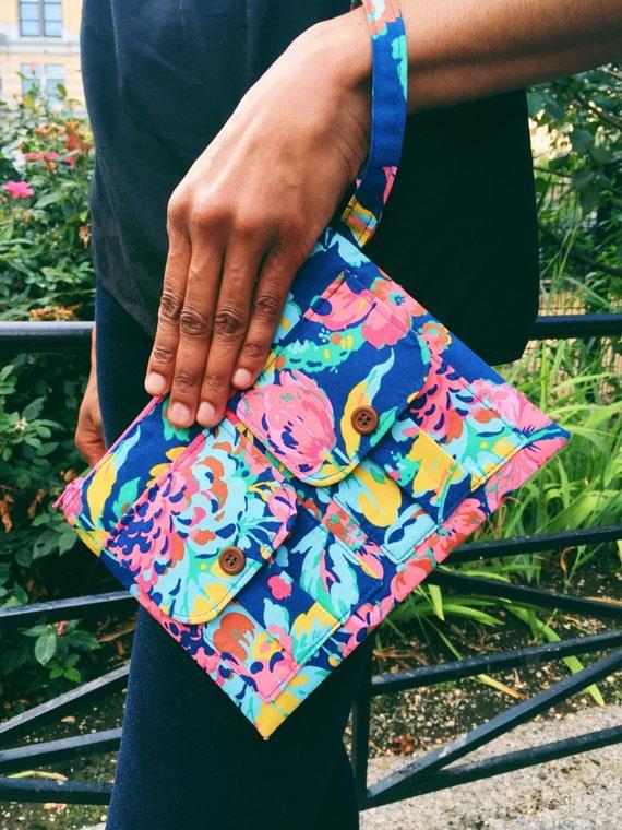 Smartphone Wristlet Wallet for Women, Blue Wristlet Purse, Large Wristlet, Womens Wallet Purse, Wrist Wallet, Fabric Wallet