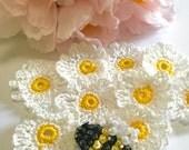 9 Fancy Crochet Daisies & Beaded Bee Appliqués. Scrapbook, Appliqués, Crochet Bee and Daisies, Cotton Crochet