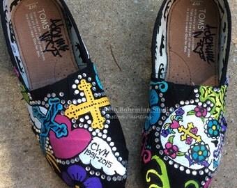 Festival Folklorico, Shoes Women Bling, Custom TOMS, Customized Day of the Dead Shoes, Sugar Skull Art, Shoes for Women Bling