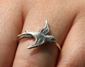 Delicate ring featuring a sparrow bird made of sterling silver ring size 5.5 by zulasurfing