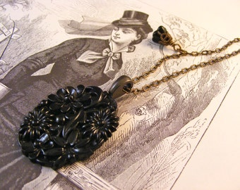 In Memoriam Necklace Mourning Jewelry Vintage Floral Cabochon