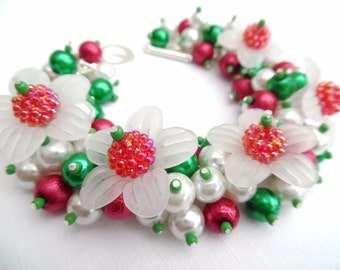 Christmas Bracelet with Pearls and Flowers, Holiday Jewelry, Chunky Cluster Bracelet, Red White and Green, Winter Jewelry, Gift For Her