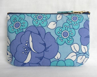1970's Retro Vintage Make Up Bag, Zip Purse, Pouch - Lilac and Blue Floral Print. Ipod & Earphones Case