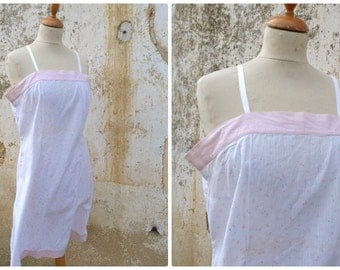Vintage 1920 /1930  soft pink floral cotton nightgown size M/L