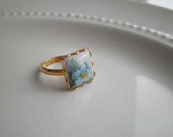 Vintage Forget Me Not Cameo Statement Ring found by So Very Charming, Vintage Blue Wildflower Square Cabochon Ring, Flower Jewelry