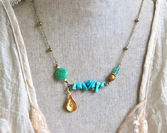 Turquoise beaded rhinestone bohemian necklace. Tiedupmemories
