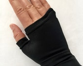 Little House Japanese Defend Wrist Support Glove small medium large