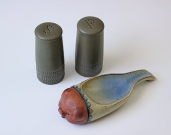 Pair of modern salt & pepper shakers and a spoon rest - moss green pottery - made in England - Excellent condition