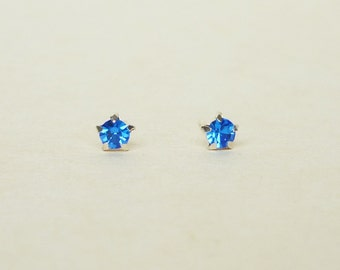 4 mm Small Royal Blue Crystal 925 Sterling Silver 5 Prongs Star Stud Earrings,Bridesmaid Gift,Hypoallergenic Earrings,Cartilage Earring,gift