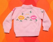 vintage 70s baby girl sweater FLOWERS floral pink kid's Small acrylic babycrest