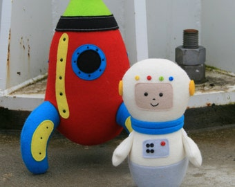 Starman : rocket pattern, astronaut pattern, astronaut doll, felt rocket, felt astronaut, spaceman doll, easy sewing pattern, rocket toy,