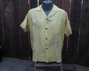 Vintage 50s Alfred Shaheen Surf N Sand vintage Hawaiian shirt Vintage Hawaiiana Yellow Metallic Mountain Apple L