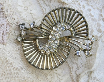Large Vintage Rhinestone Brooch, Pin ... swirling comet with shooting stars ... clear rhinestones ... 1950s costume jewelry