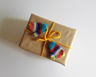 Mittens Ribbon, Knitted Mittens, Gift Wrap, Knitted Ribbon, Multicolor Mitts, Christmas Wrap, Stocking Stuffer, Christmas Ribbon