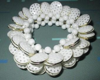 Vintage MOD White Plastic Round and Disk Bead Stretch Bracelet