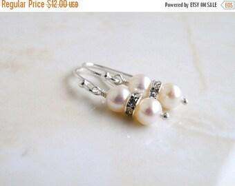 27% Off Sale White Pearl Sterling Silver Earrings PE3