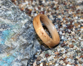 White Oak Wooden Ring or Wedding Band (In Stock Size 6.5; 5mm Wide - Other sizes and woods available upon request) // Wood Wedding Ring