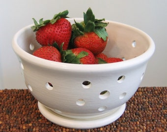 Berry Bowl with Saucer - Small Ceramic Berry Bowl - Modern White Stoneware Pottery