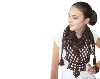 CROCHET PATTERN - Pretty Triangle Scarf - Instant Download (PDF)