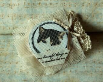 Mori Cat brooch/ hairclip
