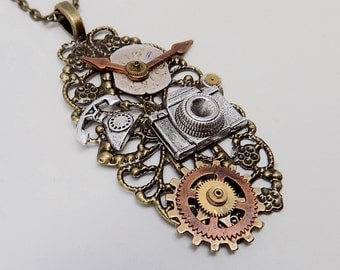Steampunk necklace. Steampunk watch pendant.