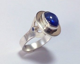 Modern Cabochon and Tube Set Sapphire Ring -- Size 8