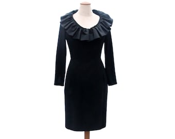 Vintage 60s Black Sheath Dress Long Sleeve Dress Scoop Neck Satin Portrait Collar Dress size Small Medium