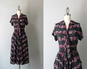 Vintage 40s Dress / 1940s Rayon Novelty Print Dress / Bow Neck 1940s Sanskrit Dress