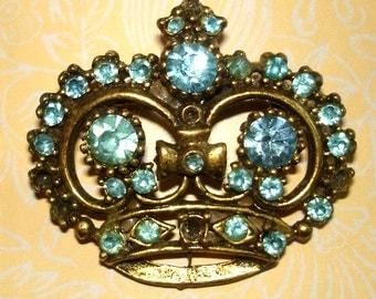 vintage blue gemstone gold crown brooch