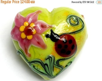ON SALE 40% OFF 11833125 - Ladybug on Spring Green Heart (Large) - Handmade Glass Lampwork Beads