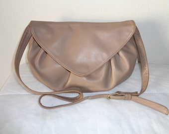 Libaire USA  buttery soft  leather slim elegant shoulder bag , cross body bag   French Beige vintage 80s