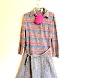 Retro vintage 70s, grey jersey dress with a horizontal  pink, blue stripe, pink scarf. Made by  Hay Pence. Size M.